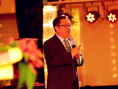杨明伟:菜市场里泡出的投资大咖