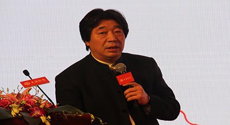 《中国经济周刊》首席研究员钮文新