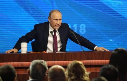 当地时间2018年12月20日,俄罗斯总统普京在莫斯科举走大型年度记者会。(视觉中国)