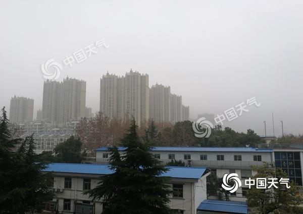 安徽大雾阻交通明后天仍有雾 降温雨雪来袭
