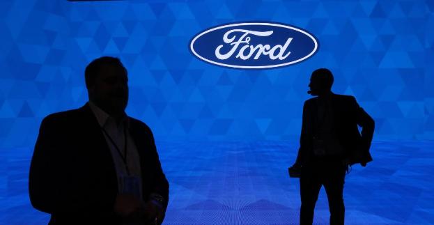 盖世汽车讯 福特汽车预计,其2018年第四季度盈利将低于预期,且因关税成本和英国脱欧带来的不确定性,公司2019年前景也更加黯淡。当地时间1月16日,福特汽车股价下跌逾3.5%。