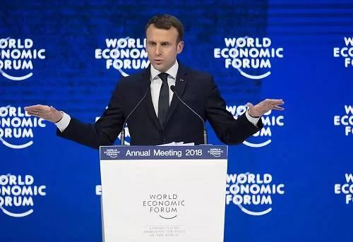 2018年1月24日,在瑞士达沃斯,法国总统马克龙在第48届全国经济论坛年会上致辞。新华社记者徐金泉摄