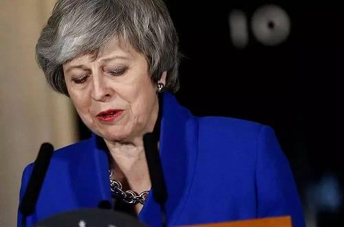 1月16日,在英国伦敦首相府外,英国首相特雷莎·梅在议会下院否决对于政府的不信赖动议后颁发讲话。新华社/路透