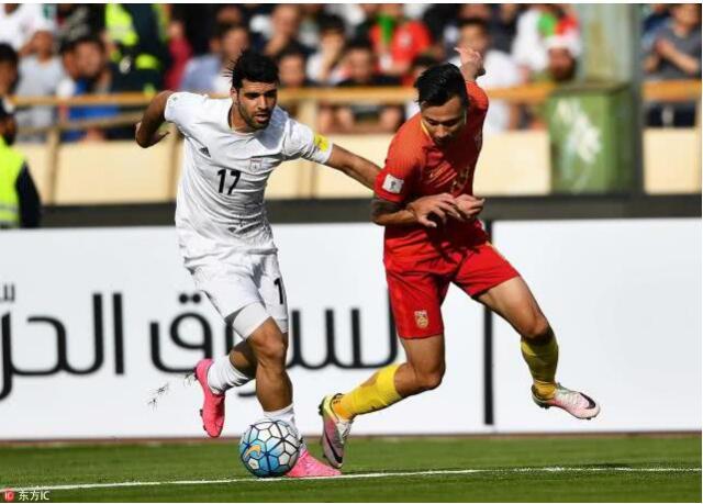 北京时间1月25日凌晨0点,2019年阿联酋亚洲杯继续展开1/4决赛争夺。在阿布扎比的穆罕默德本扎耶德体育场,中国队全场后防三次失误,最终0-3不敌伊朗队止步八强。