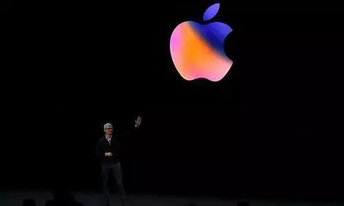 在被媒体曝光之后,苹果随即撤销了Facebook的企业开发者资质。讽刺的是,在苹果采取行动之后,Facebook才发表声明称公司已经关闭了iOS版本的Research项目,假装是自己主动取消了该应用。