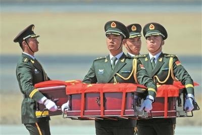 30名救火英雄被批准为烈士
