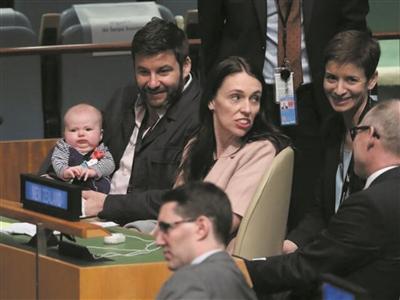 """新西兰总理阿德恩""""旋风""""访华"""