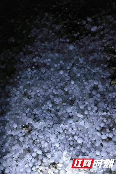 """昨夜湘西遇冰雹 今明气温将遭""""腰斩""""局地降温18℃"""