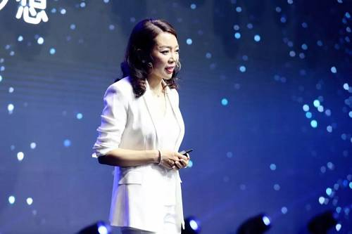 旭辉集团副总裁范逸汀女士