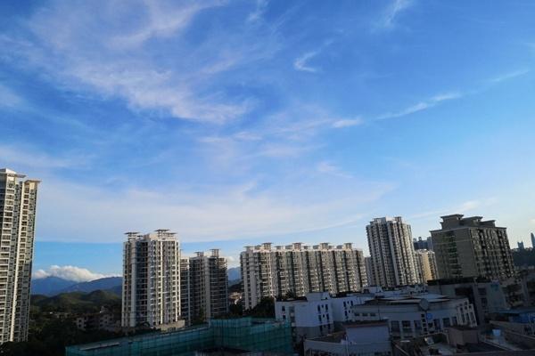 闷热难耐!广东今后三天仍多雷雨 沿海市县局地有暴雨