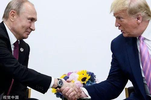 资料图片:当地时间2019年6月28日,日本大阪,美国总统特朗普会见俄罗斯总统普京。
