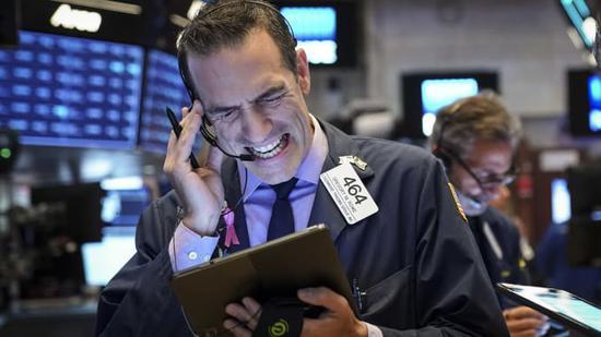 新浪美股11月10日讯 随着逐渐接近今年尾声,美国股市正登上历史高点,但华尔街已经开始发出警告,称2020年市场将面临一系列威胁。