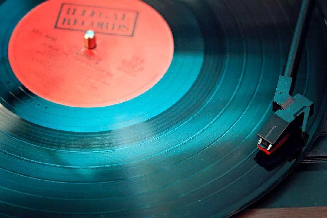 """腾讯音乐上市后营收增速呈下降趋势 版权或成""""拖油瓶""""?"""