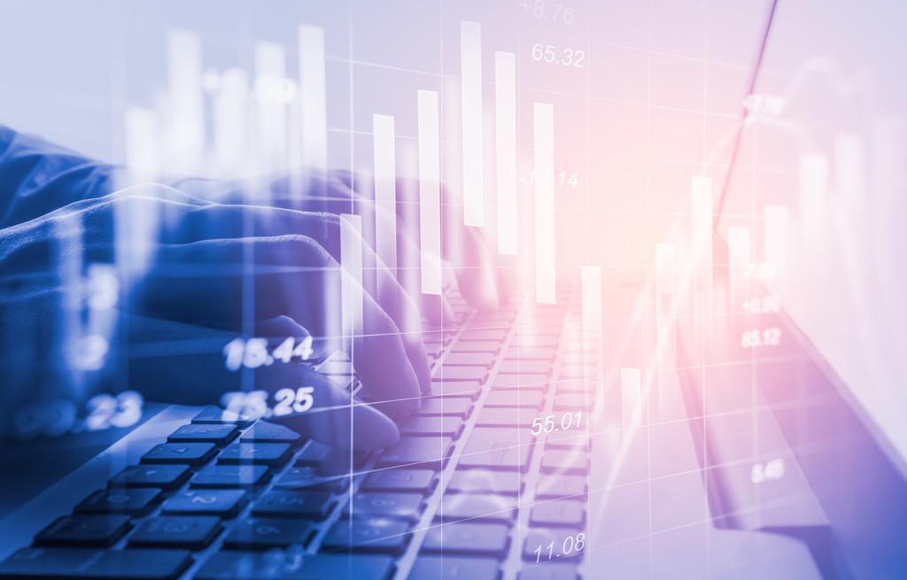 卓越商企服务暗盘盘初涨超10% 每手赚1120港元