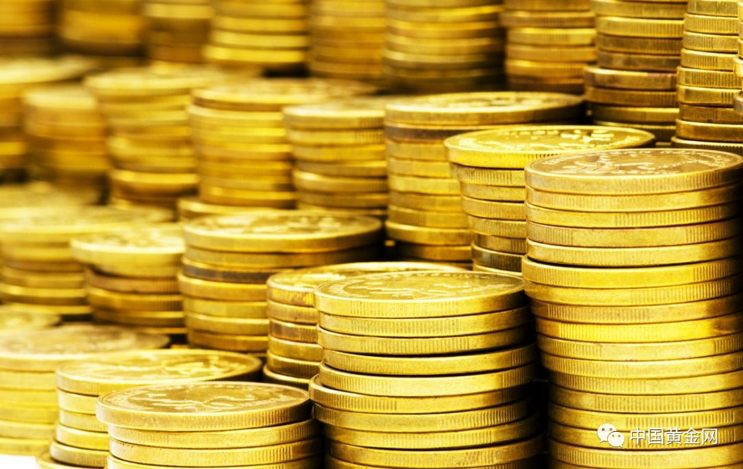 目前持有黄金或黄金股票的投资者仍是少数,但随着未来黄金价格升至2000美元之上、白银价格升至50美元之上时,将有更多的投资者开始入市。但新投资者面临的问题是:黄金、白银和贵金属股票是一个小市场。需求的增加不会创造更多的实物黄金和白银,因为全球产量已经达到了高峰。