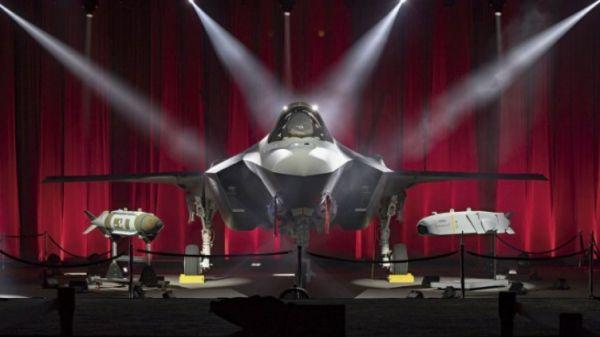 除洛克希德-马丁公司和普惠公司幼批相符同将实走到2020岁暮以外,五角大楼将从土耳其迁出F-35战机的大片面供答链。(英国《简氏防务周刊》网站)
