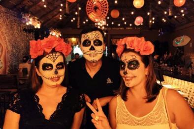 Jarod在参与墨西哥亡灵节