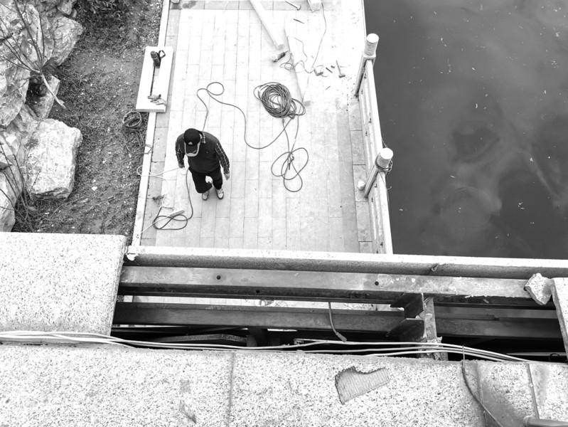 济南凤凰山路桥大理石板脱落