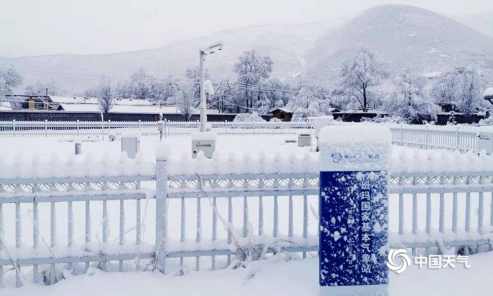 青海班玛降暴雪 有效缓解森林防火压力
