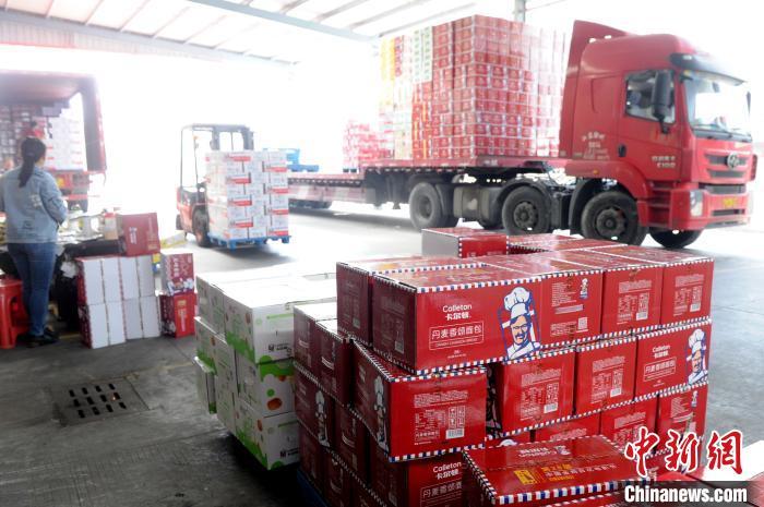 """疫情下的""""中国食品名城"""":化危为机 开拓线上销售"""