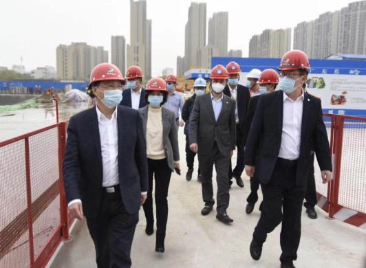 郭梓宁总裁一行实地考察指导扬州项目复工复产和防疫工作