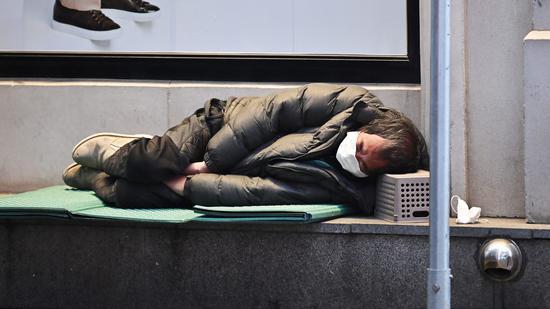 研究称美国无家可归者人数一年内或激增45%