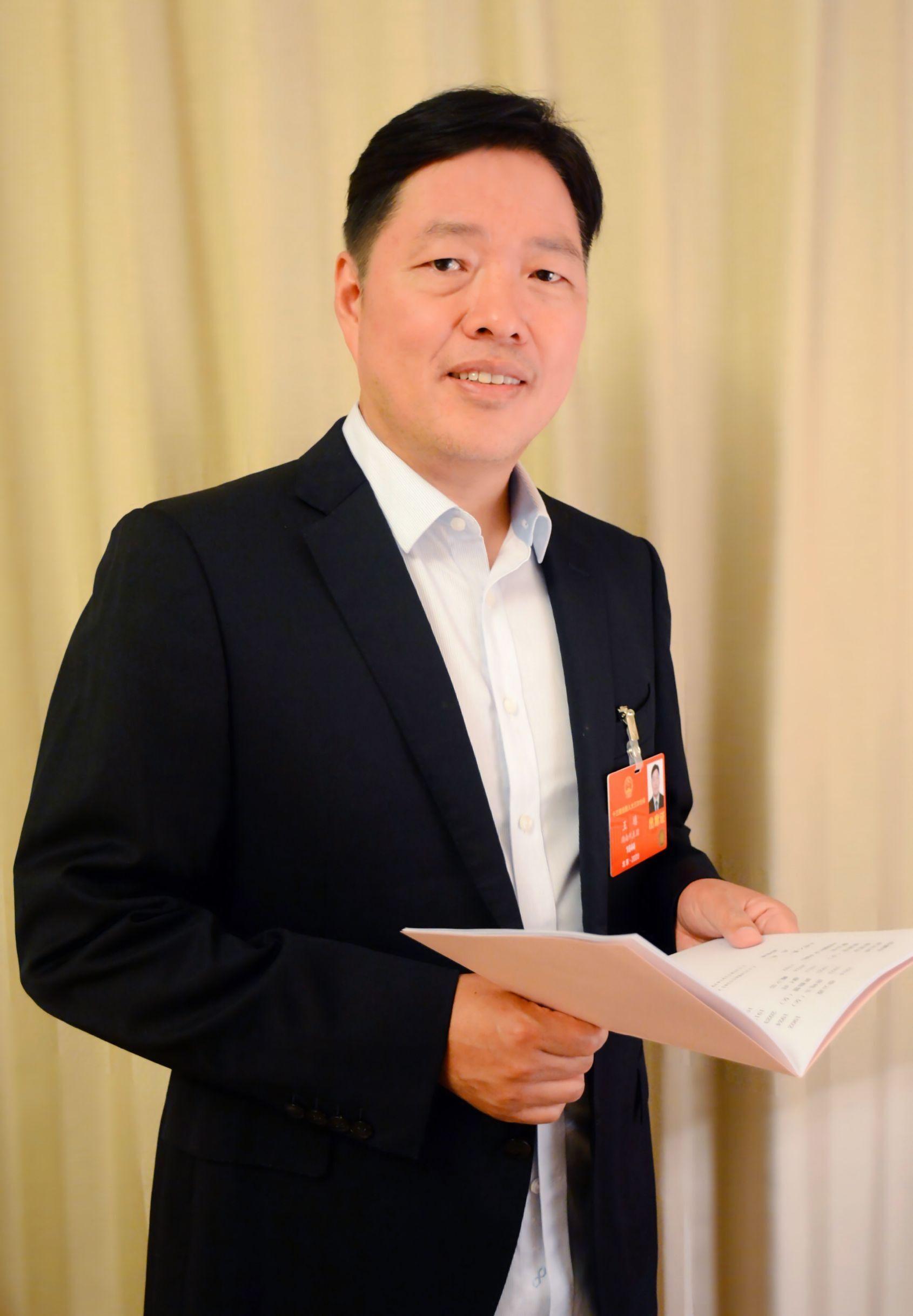 全国人大代表、步步高集团董事长王填
