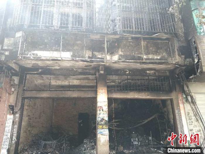 广西防城港一民房发生火灾 致6人死亡