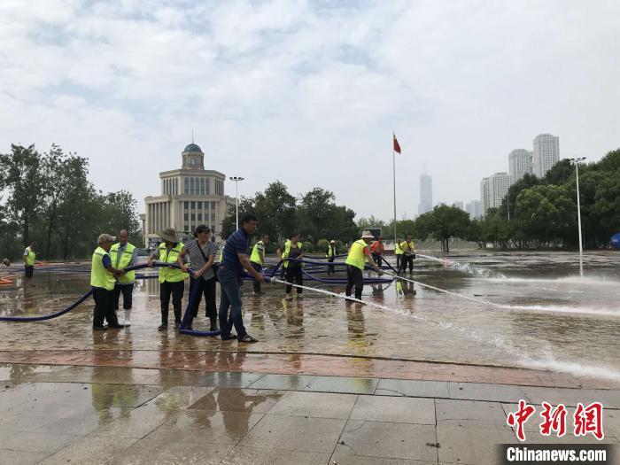 长江武汉段仍将维持高水位 中小河流发布洪水红色预警