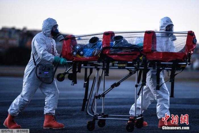 美国新冠死亡病例数保持高位 俄副总理确诊感染