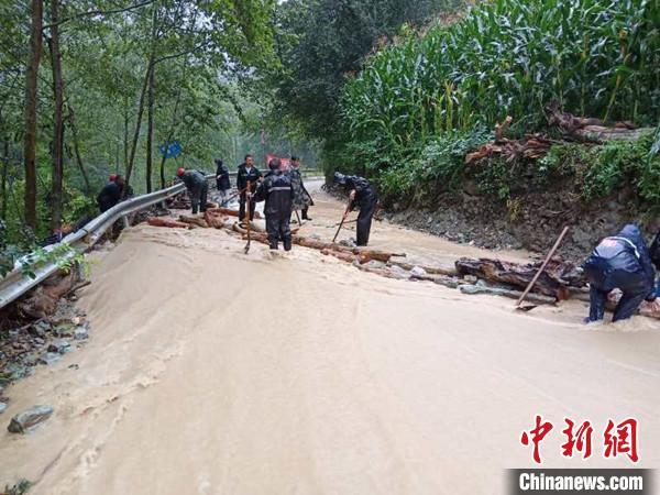 四川北川:持续暴雨致洪涝、泥石流多发 已安全转移安置上万人