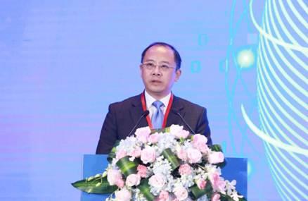 ▲国信证券总裁邓舸在投资策略会上发表演讲