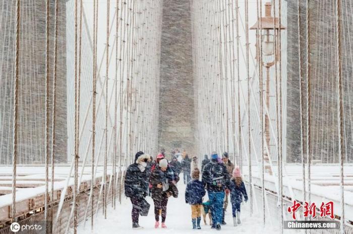 美国2020年冬季首场风暴来袭 狂风暴雪致近30万户停电