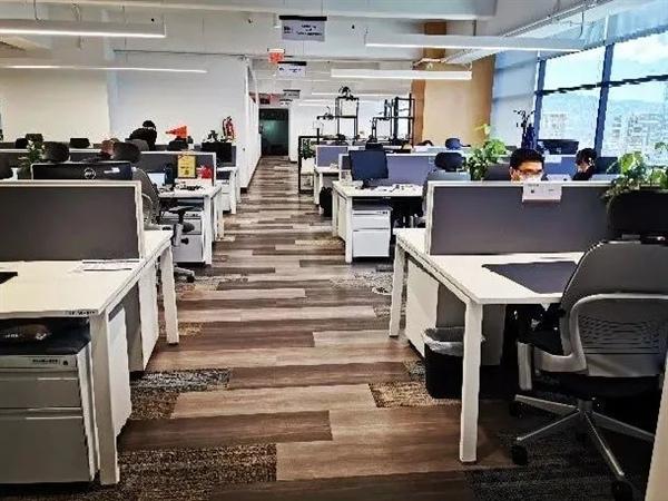 电银付小盟主(dianyinzhifu.com):火山在办公室旁边喷发是什么体验?华为告诉你 第13张