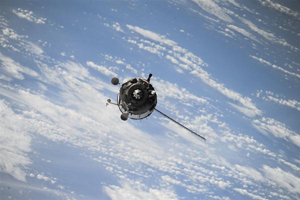 usdt充值(caibao.it):为削减太空垃圾拼了!日本用木头制作卫星:设计2023年发射