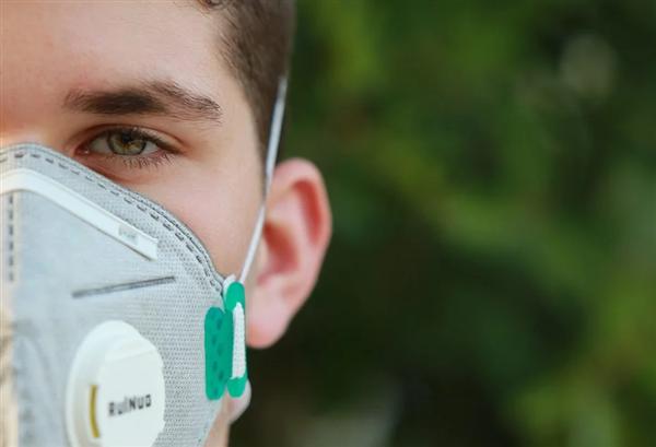 美国新冠肺炎死亡病例超过50万:全球最高
