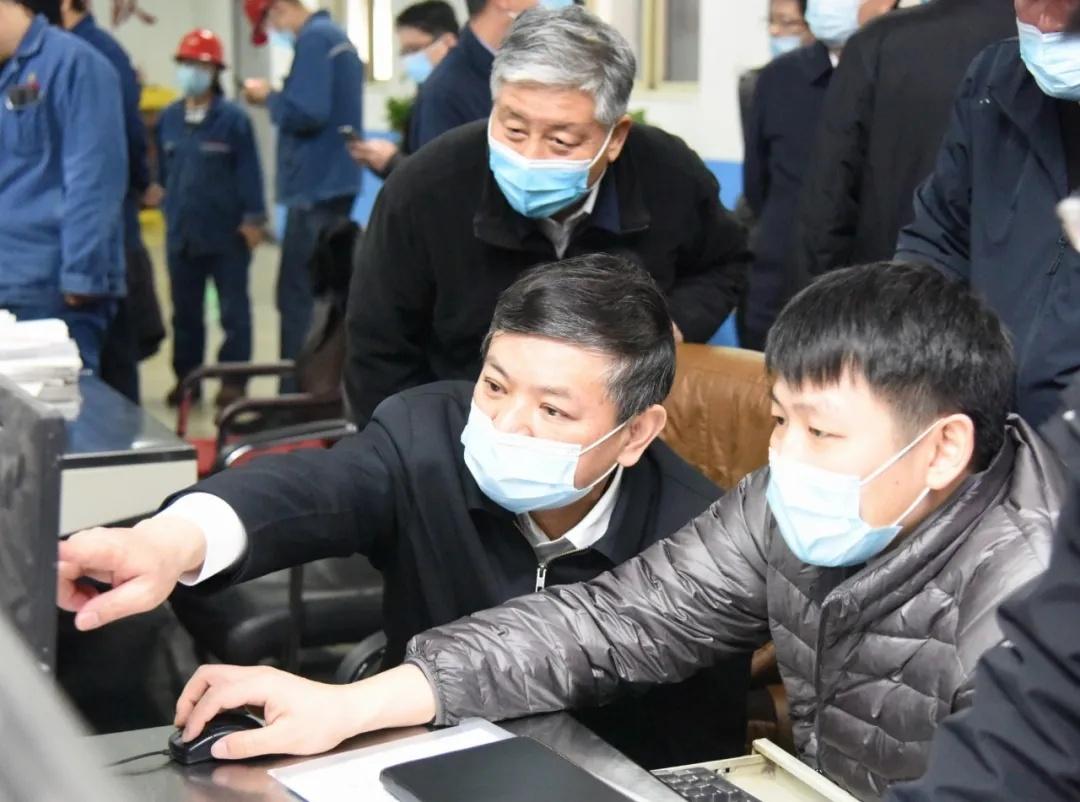 重污染天气,部长突然出现,4家企业违规生产被抓现行,一位总经理被拘!