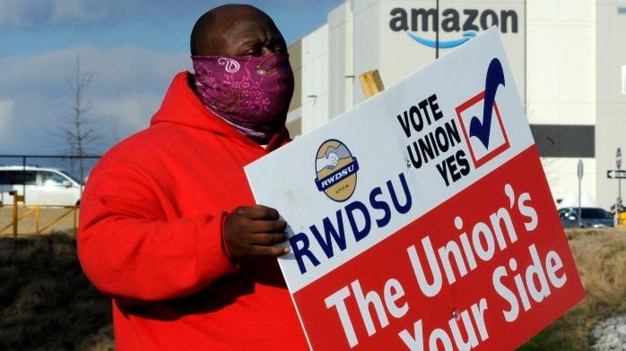 亚马逊工人成立首个工会努力受挫 初步计票显示多数人反对