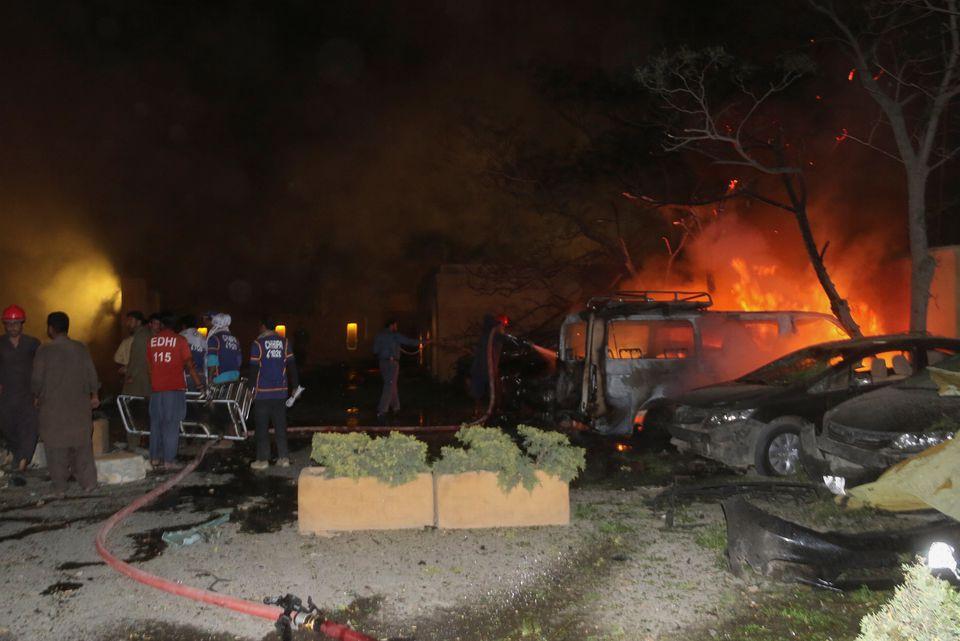 突发!巴基斯坦酒店爆炸致4死12伤,巴内政部长:中国大使入住此酒店,事发时外出