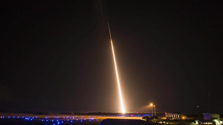俄媒:美军舰试验未能成功拦截中程弹道导弹目标,此前俄侦察船被曝曾出现在附近水域