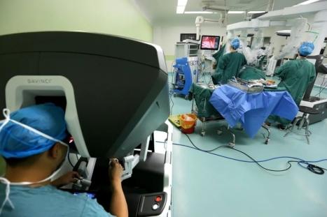 达芬奇手术机器人在安徽省胸外科治疗领域首次应用
