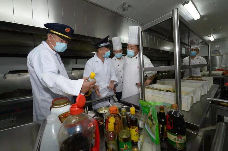 聚焦高考考点 北京通州区市场监管局食品安全、疫情防控两手抓