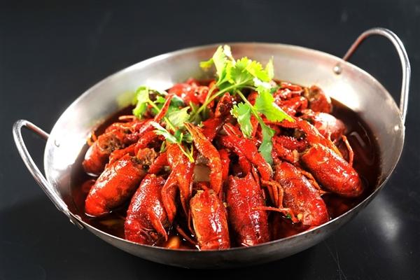 男子醉驾6个小时从济南到南京:竟然只为吃小龙虾