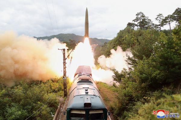 朝韩争射导弹引半岛军备竞赛担忧